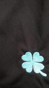 クローバー刺繍